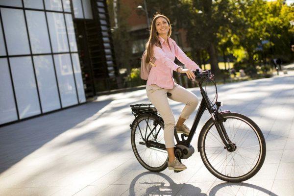 Aller au travail en vélo électrique Gorille Cycles