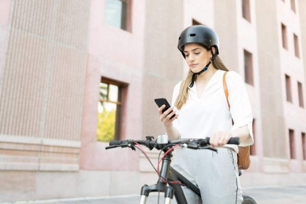Le port du casque à vélo est-il obligatoire pour tous en France ? Gorille Cycles