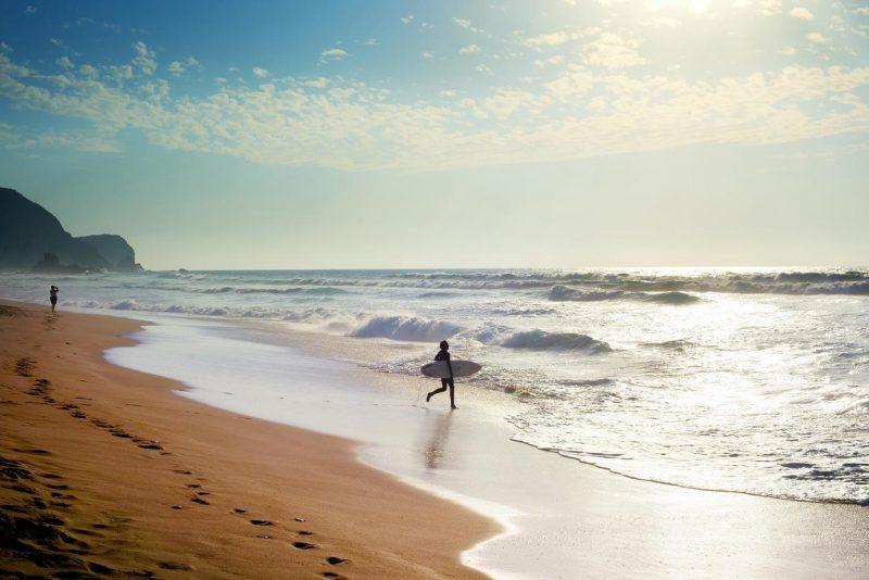 5 plages de surf pour débuter sur la côte ouest française Gorille Cycles